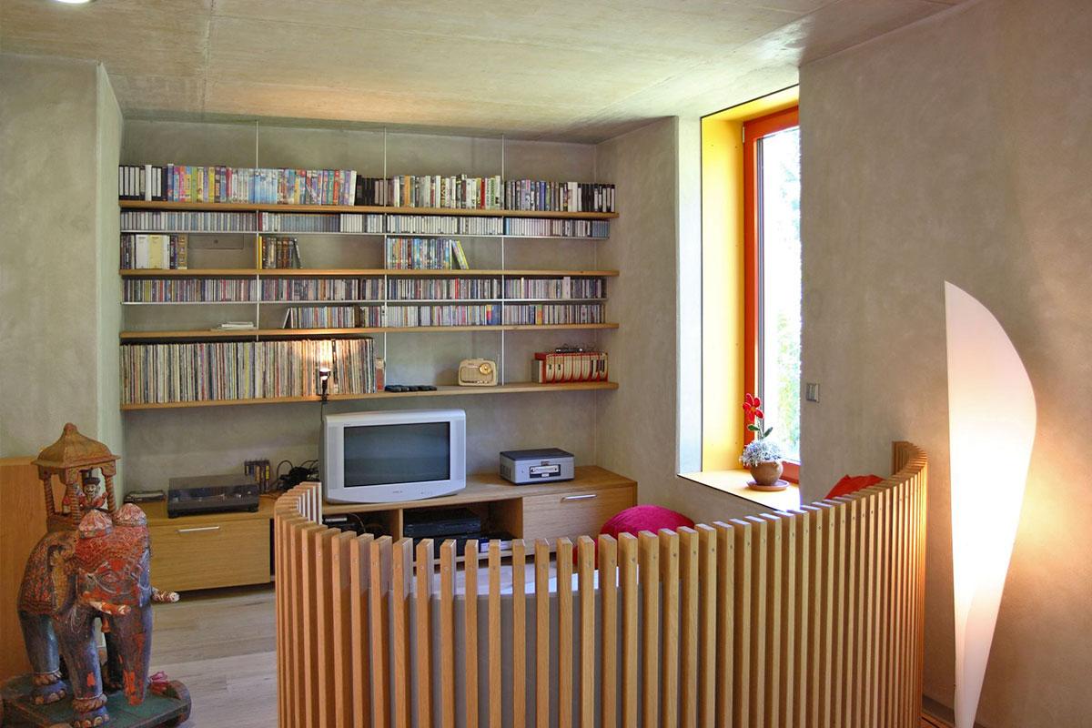 154-11_ATOS_Passivhaus-Aluminium--Das-Heizmoebel-im-Wohnraum