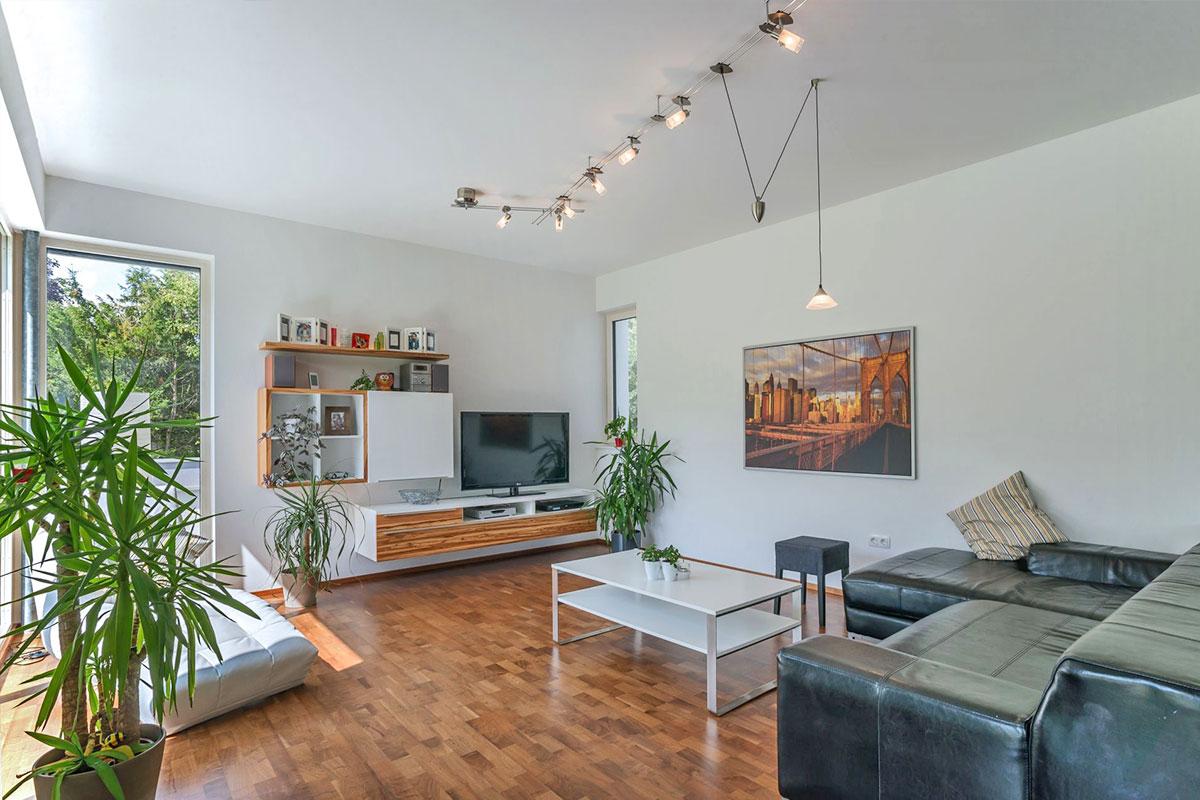 209-16-ATOS-Haus-Hagenbrunn-Gemütlicher-Wohnraum