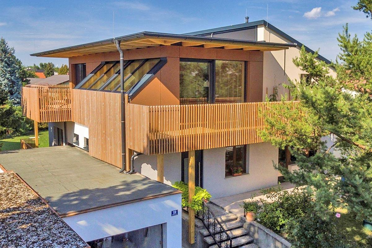 294-002_ATOS_Aufstockung-Baumhaus-Umgeben-von-Bäumen