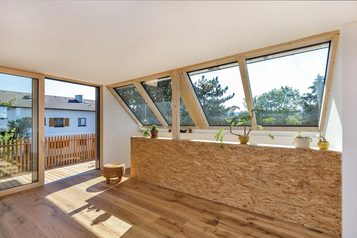294-009-_ATOS_Aufstockung-Baumhaus-Die-Küche-fehlt-noch