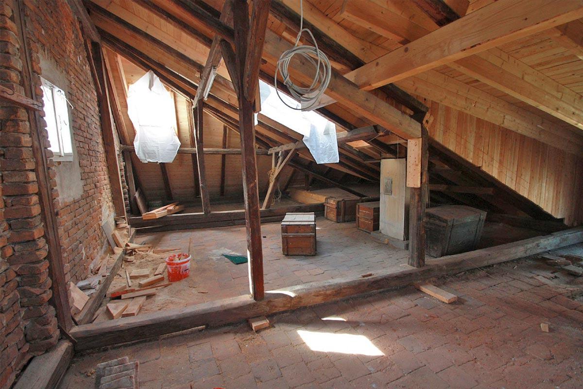 316-13_ATOS_Sanierung-und-Dachgeschossausbau-Waidhofen-Dachboden